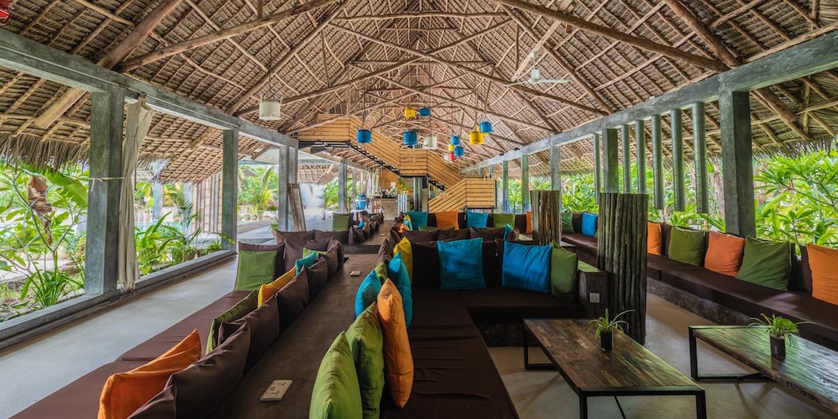 Fun Beach Hotel lounge area
