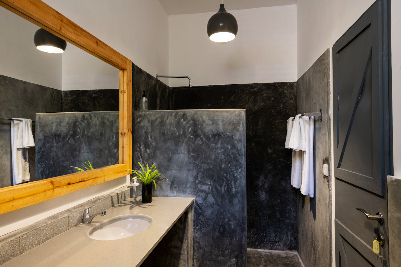Casa Beach Hotel bathroom