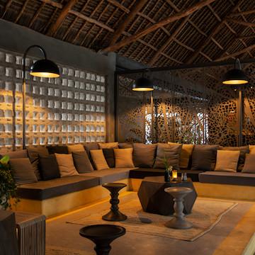Casa Beach Hotel lounge area