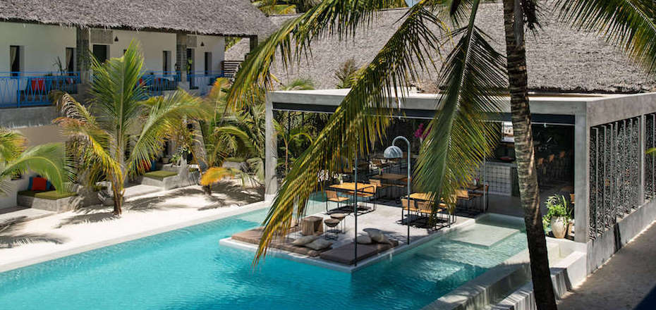 Casa Beach Hotel Pool and Restaurant