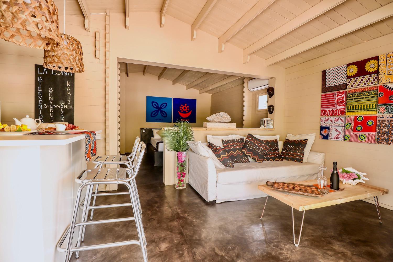 La Luna Suite Apartments interior