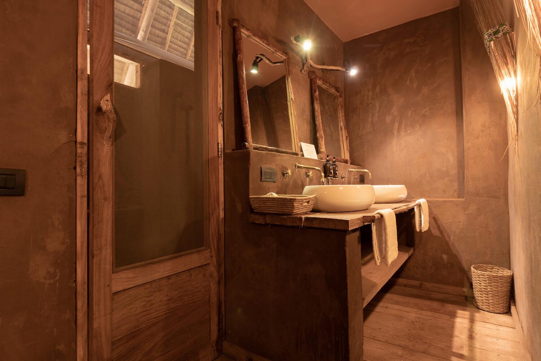 Mwezi Boutique Resort full moon bungalow bathroom