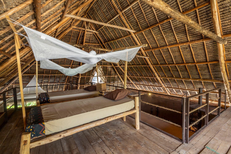 Mwezi Full Moon Bungalow loft beds