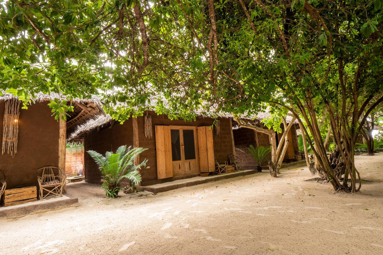 Mwezi Boutique Resort pool bungalow exterior