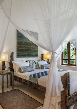 Qambani Luxury Resort Castaway Villa Bedroom