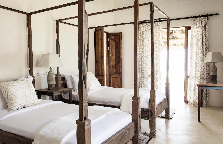 Qambani Luxury Resort twin bedroom