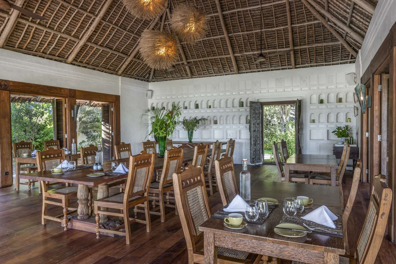 Qambani Luxury Resort dining room