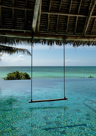 Qambani Luxury Resort Swimming Pool Swing