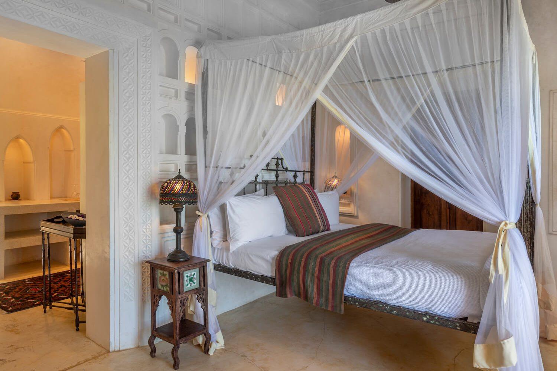 Qambani Luxury Resort sundowner bedroom