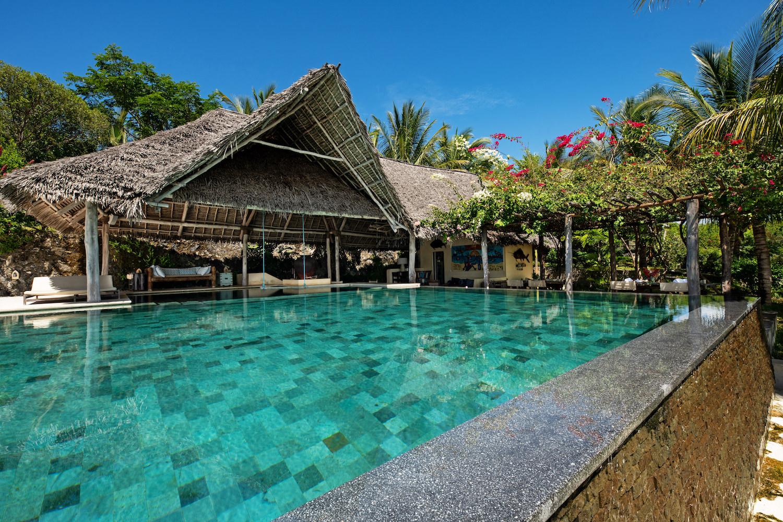 Qambani Luxury Resort main pool