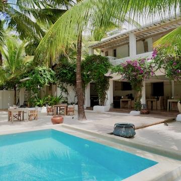 Uzuri Villa pool and veranda