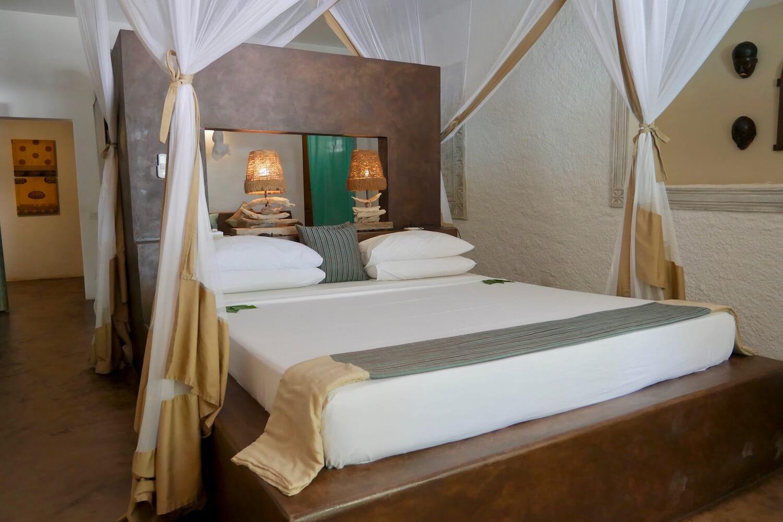 Uzuri Villa suite bedroom