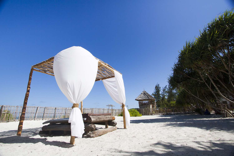 Uzuri Villa beach massage